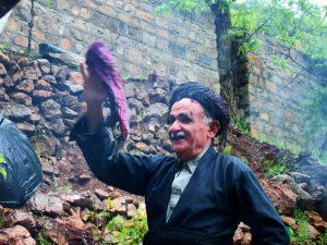 فیلم مستند «باخدا میرقصم» به کارگردانی هوشنگ میرزایی